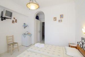 Gallery, Ηλίας Πανσιόν, Αμοργός, ενοικιαζόμενα δωμάτια, διαμονή, διαμερίσματα, ξενοδοχεία, Χώρα, Αμοργού