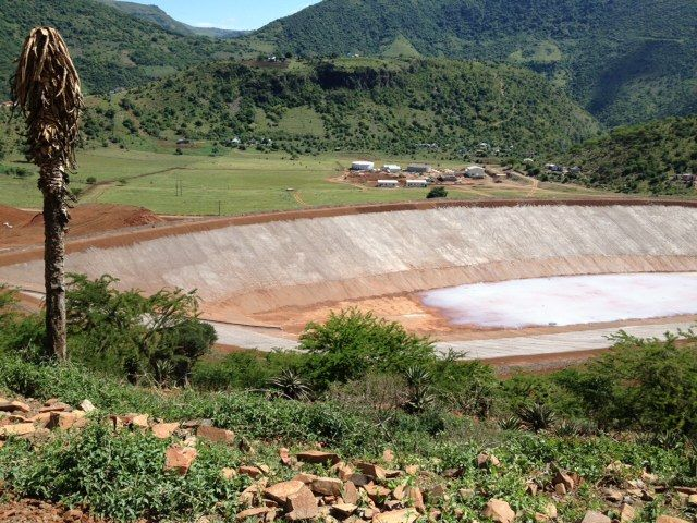 Poly Roads specializes in Geoliners for dams and water storage purposes http://polyroads.com/