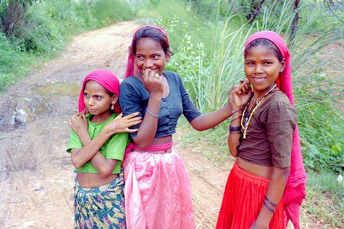 Girls in small village near Jaipur, India. From the post: Tribute to the colourful people of India