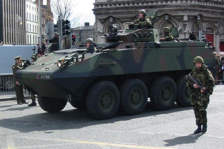 Un Blindado APC MOWAG Piranha/Piraña del Ejército Irlandés.