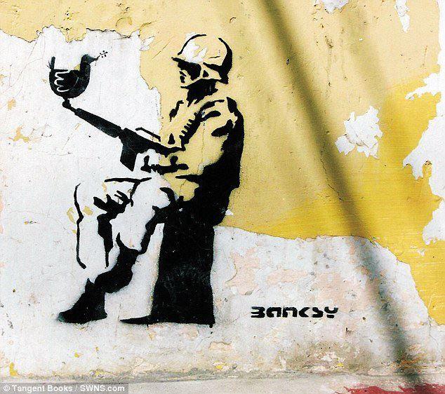 Confirmado: La primera imagen de Banksy haciendo un graffiti fue en Chiapas, México