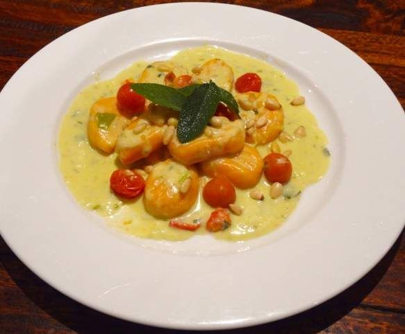 Recipe Sweet Potato Gnocchi with Sage and Garlic Sauce by KrissyB - Recipe of category Main dishes - vegetarian