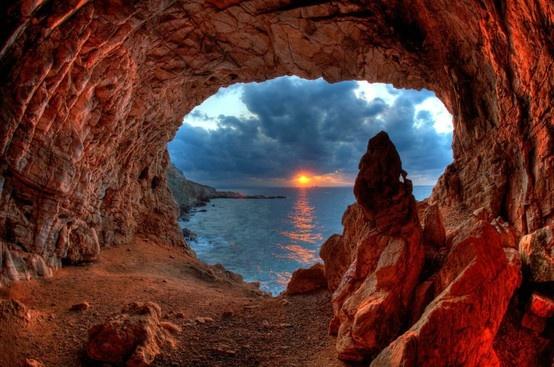 Arhilohos Cave at Agios Fokas - Photography Stavros Niflis