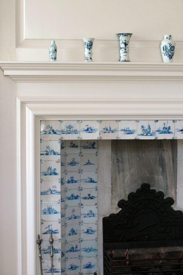 Delft tile fireplace at Colonial Williamsburg