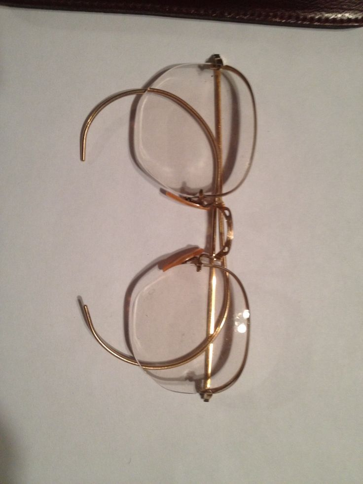 B&L rimless eyewear model 7 12kt gold filled. Lenses held by notches in lenses. This frame most likely dates back to the 30's-40's