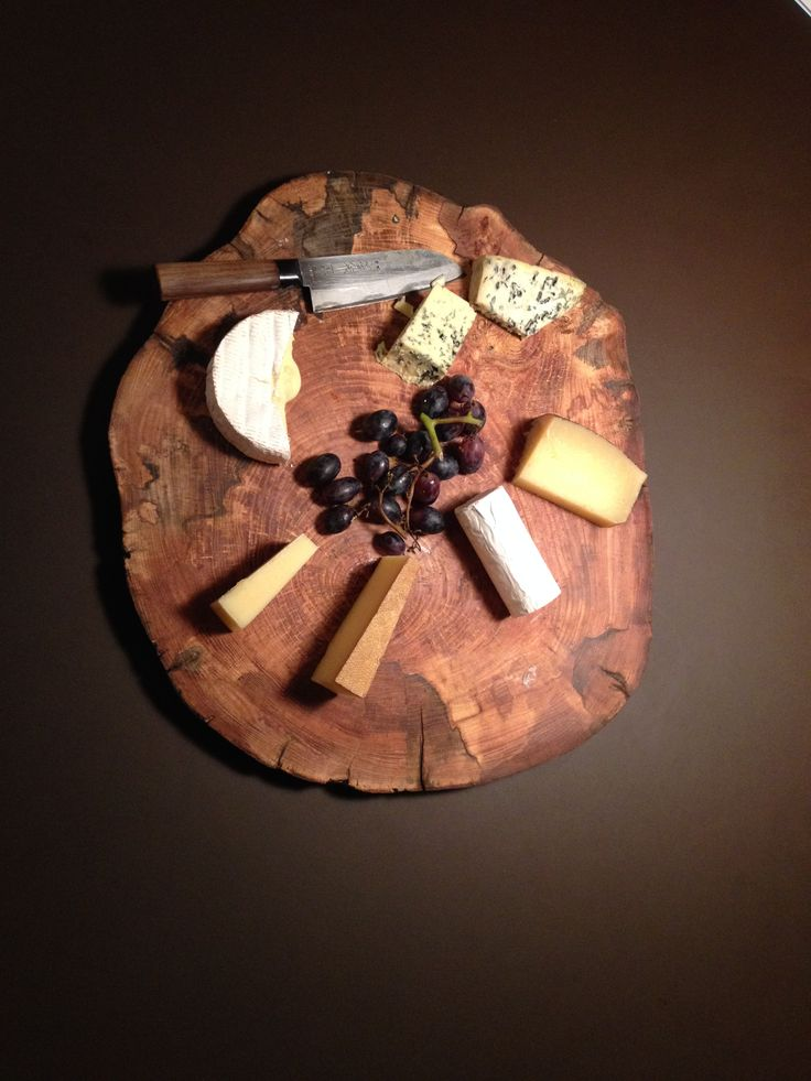 Serving board to cheese and tapas for yourself or guests. #food #tapas #inspiration   http://www.kjeldtoft.com/