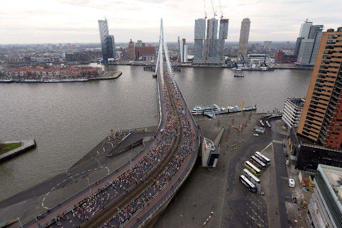 In het weekend van zaterdag 9 en zondag 10 april vindt de 36e editie van de NN Marathon Rotterdam plaats. Geen andere marathon in Nederland kan de sfeer in Rotterdam evenaren met ruim 925.000 enthousiaste toeschouwers langs het parcours.