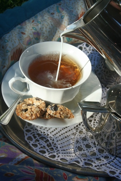 Perfect cup of tea http://fashion-eater.tumblr.com/