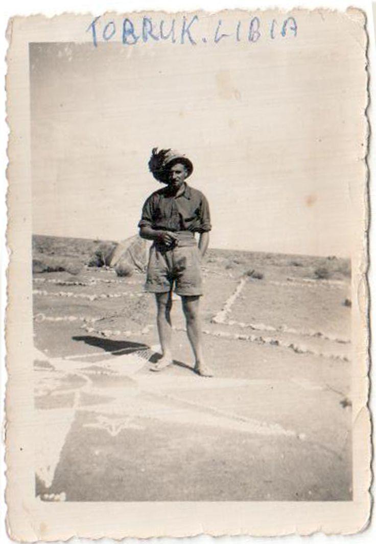 Umberto Albani, classe 1920, Trento motorizzata. Lo hanno ferito nel '41, portato a Cape Town e poi imbarcato su una nave per l'Inghilterra. La prima nave è affondata e con la seconda è arrivato in Inghilterra. È stato mandato in fattoria a Carlisle nel Cumberland, ora al suo posto delle baracche ci sono delle casette a schiera..