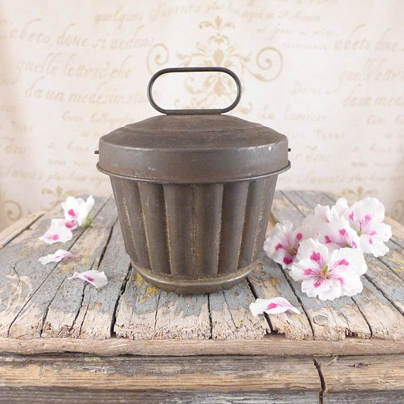 Form on the cake , Pudding form, cookie cutters , vintage, kitchen, kitchen, bowl, shabby chic,  cooking,