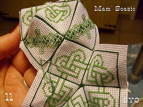 Biscornu 15 sided celtic knot