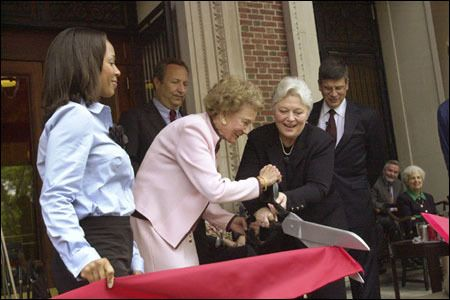 Widener Library rededicated and its staff recognized in ceremony #dareema #jenkins http://puerto-rico.remmont.com/widener-library-rededicated-and-its-staff-recognized-in-ceremony-dareema-jenkins/  # Widener Library rededicated and its staff recognized in ceremony By Beth Potier, Harvard News Office Dareema Jenkins 05 (from left) and President Lawrence H. Summers watch generous benefactor Katherine Loker and Nancy Cline, Roy E. Larsen Librarian of Harvard College, wield a pair of oversized…