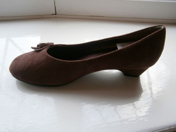 The Shoe Tailor Ladies Low heeled Brown Suede Shoe Size 4 E Standard Fit 668 | eBay