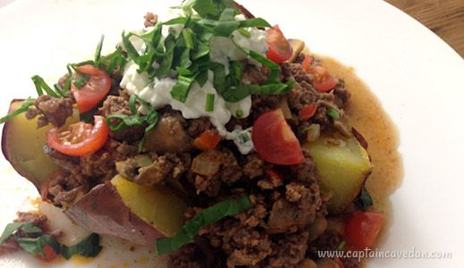 Baked kumara with savoury mince - quick and easy dinner! | #paleo #primal recipe from captaincavedan.com