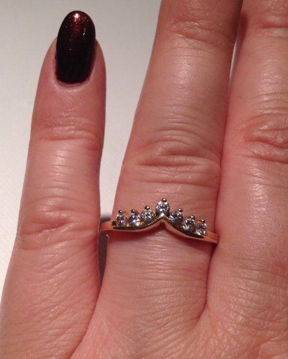 Modern 14k Yellow Gold Chevron Ring Wedding Ring By AvenueBoutique
