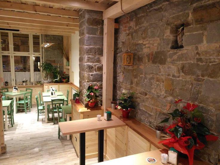 """www.mobilificiomaieron.it - https://www.facebook.com/pages/Arredamenti-Pub-Pizzerie-Ristoranti-Maieron/263620513820232 - 0433775330 Arredamento pizzeria ristorante """"Torre dei Balin """" a Trieste. Sedie venezia verdi cod 3011/L e Tavoli ristorante con piano in legno color verde e base legno color bianco . #arredamentopub #arredamentopizzeria #arredamentoristorante #sedietavoli #tavoliesedie #sedievenezia #tavoliristorante"""