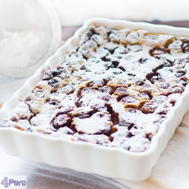 Cherry flan - Cherry clafoutis   - English recipe - A delicious dessert this flan. The sweet cherries are covered with batter and then baked in the oven. Creamy and sweet and you eat it preferably lukewarm. Delicious with some vanilla ice cream.