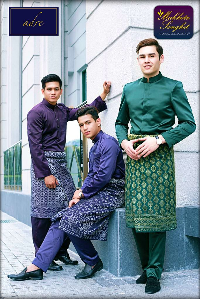 Our Machine-woven Sampin Songket with modern-cutting Baju Melayu exclusively made by adre.my  For online purchase / walk-in appointment :  Whatsapp 014 338 3847 =)  #love #mahkotasongket #alamavenue #shahalam #raya2017 #wedding2017 #sayajual #sampinshahalam #songketselangor #exclusive #sampin #machinemade #royalstyle