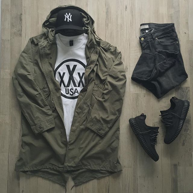 Outfit grid - Green parka today!