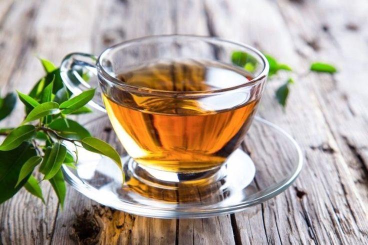 BEBA CHÁ DE DENTE DE LEÃO - Pode cultivar esta planta em sua casa e beber um chá todas as noites. Esta bebida, além de ser um poderoso diurético, é um excelente desintoxicante do organismo