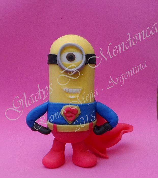 minion super héroe - porcelana fria
