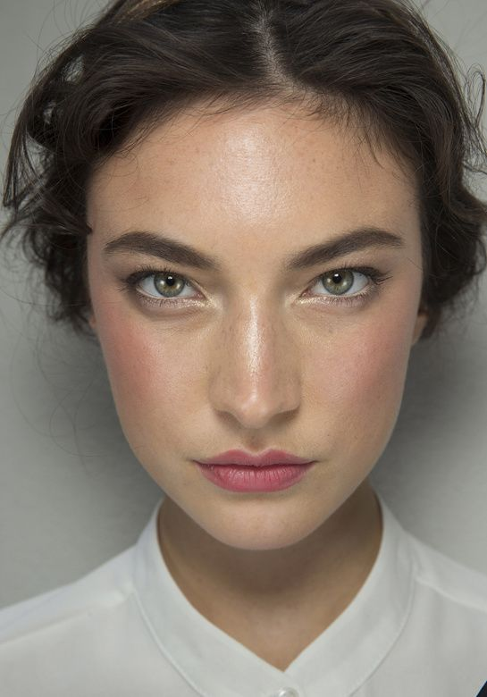 Jacquelyn Jablonski en backstage du defile Dolce & Gabbana 2014 gorgeous, dewy skin, fresh face