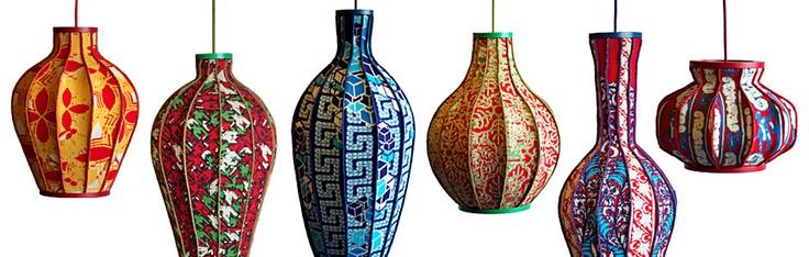 Seen on the Dutch Design Week. Deze lampen zijn een ode aan de gastarbeiders van textielstad Tilburg. Iedere lampenkap vertegenwoordigt het land van herkomst van deze gastarbeiders. Van links naar rechts: Spanje, Italië, Griekenland, Marokko, Turkije en de Molukken.  www.dfodesign.nl