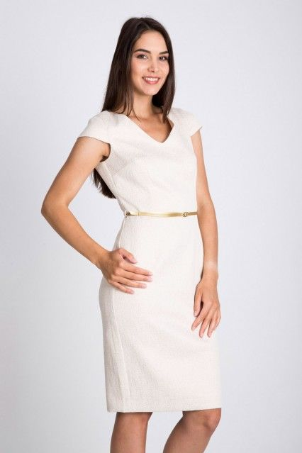 Beżowa sukienka ze złotym paskiem  Quiosque
