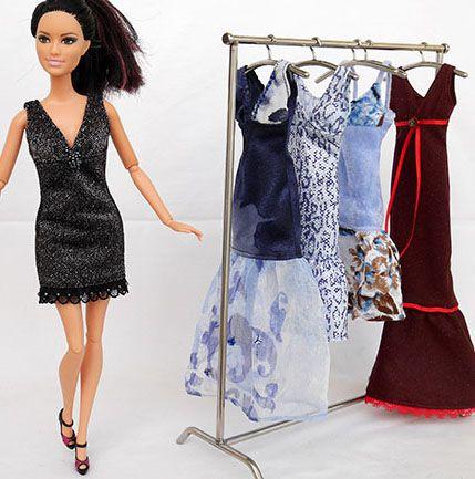Malé večerní šaty :: Šijeme pro panenky