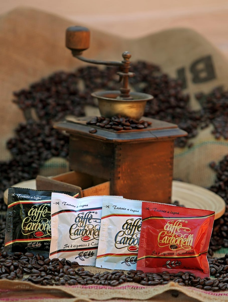 mixtures of Caffè Carbonelli pods assorted Carbonelli. 150 pods $46.26      All the Caffè Carbonelli's pods in an antique coffee grinder. In our online store, great discount: 900 ese pods mixture of Caffè Carbonelli blends for $ 182.00 or € 135,40 #coffee #caffe #pods #dosettes #capsule #espresso  www.caffecarbonel...