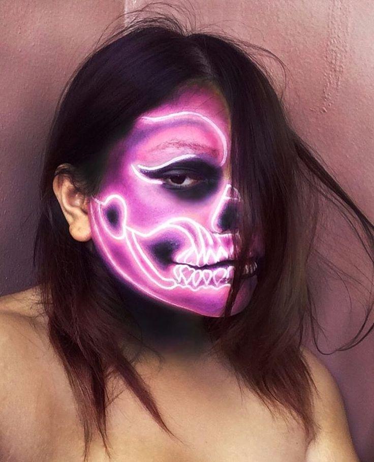 Neon skull face paiting. Makeup artist Madhava Menegazzo @madhavamake @madisri  #facepaint #bodypainting #artisticmakeup #skull #makeup #truccoartistico #trucco #art #maquiagem #caveira #neon