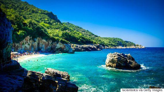 «Μυστική» Ελλάδα: 18 άγνωστοι (τουλάχιστον, για τους ξένους τουρίστες) προορισμοί - «διαμάντια» που προτείνει η Telegraph