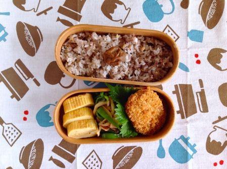 ・肉じゃがコロッケ 半額お惣菜 ・ピーマンきのこハム炒め 今日は中華あじ ・玉子焼き