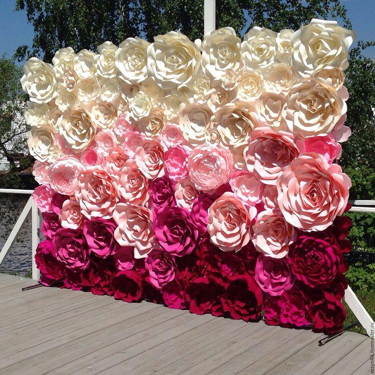 Купить Цветочный пресс-волл (в аренду) - ярко-красный, золотые цветы из бумаги