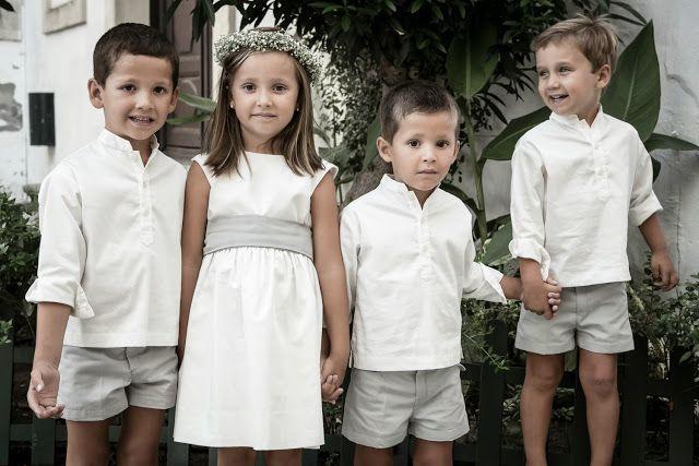 Pajes vestidos de Teresa&Leticia de gris y blanco -  (Confesiones de una Boda)