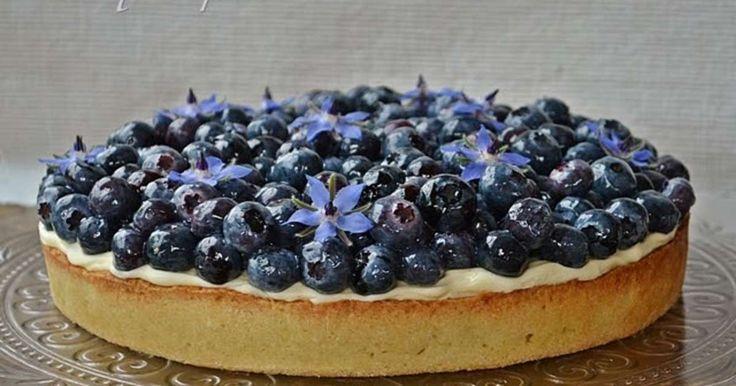 Tarte myrtilles, crème vanille (pierre hermé), pistache et citron vert. . La recette par Isabelle .