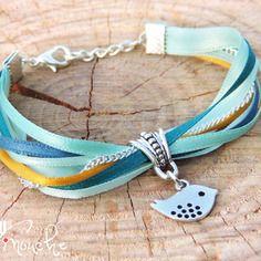 """Bracelet rubans camaïeux de couleurs bleu pastel turquoise bleu canard jaune mouarde chaîne argent oiseau """"ciel"""""""