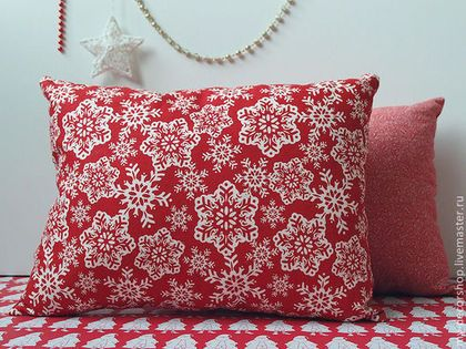 Новый год 2015 ручной работы. Ярмарка Мастеров - ручная работа Новогодние красно-белые подушки в скандинавском стиле. Handmade.