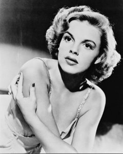 Judy Garland: Judygarland, Celebrity, Famous People, Judy Garlands, Beauty People, Movie, Icons, Classic Hollywood, Actresses