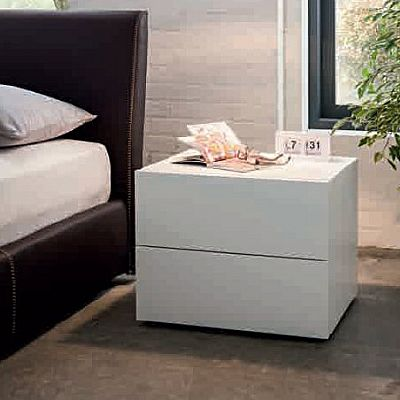 Contemporary, Minimalist Bedside 'Kenecky'. Beautiful, ultramodern, essential and elegant. My Italian Living.