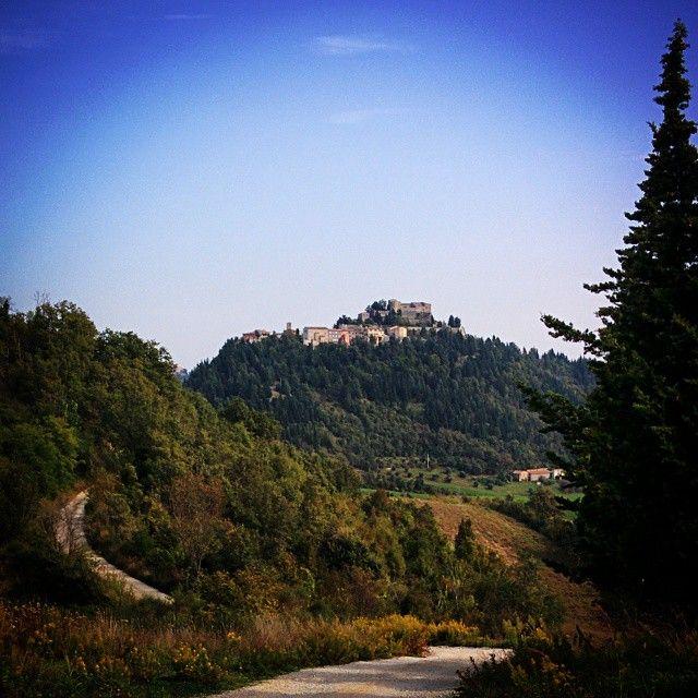 Il Castello di Azzurrina a Montebello, frazione di #PoggioTorriana - Instagram by valmarecchia