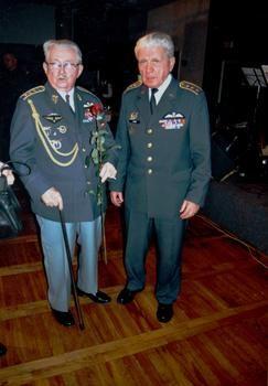 Nejstarší a nejmladší pilot RAF - Fr. Peřina a Emil Boček