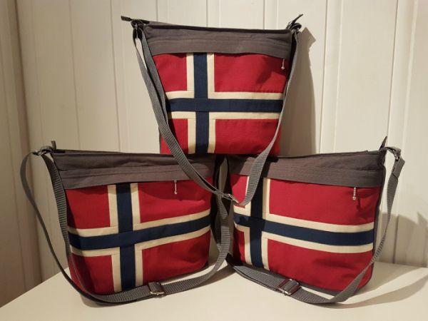 Skulderveske med Norsk Flagg (Lisbeth Pedersen)