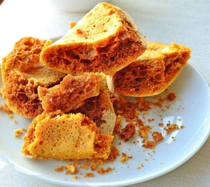 Sei que alguns de vocês também viram o Chef Gary Mehigan do Masterchef Australia transformar caramelo a ferver num rochedo crocante de caramelo, por isso aqui fica a receita com alternativas, caso…