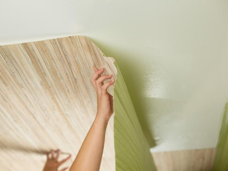 How to Install Grass Cloth on a Flat Drywall Ceiling | HGTV