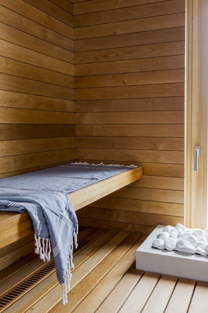 Rauhallinen sauna syntyy yksinkertaisista elementeistä.