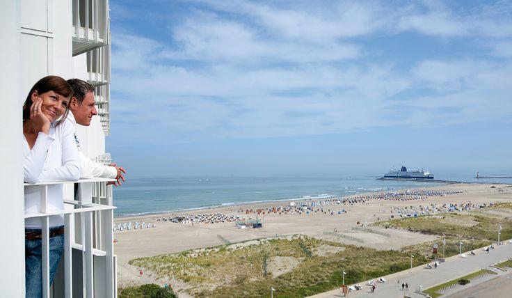 Alle Zimmer & Suiten mit Blick auf den #Strand von #Warnemünde.