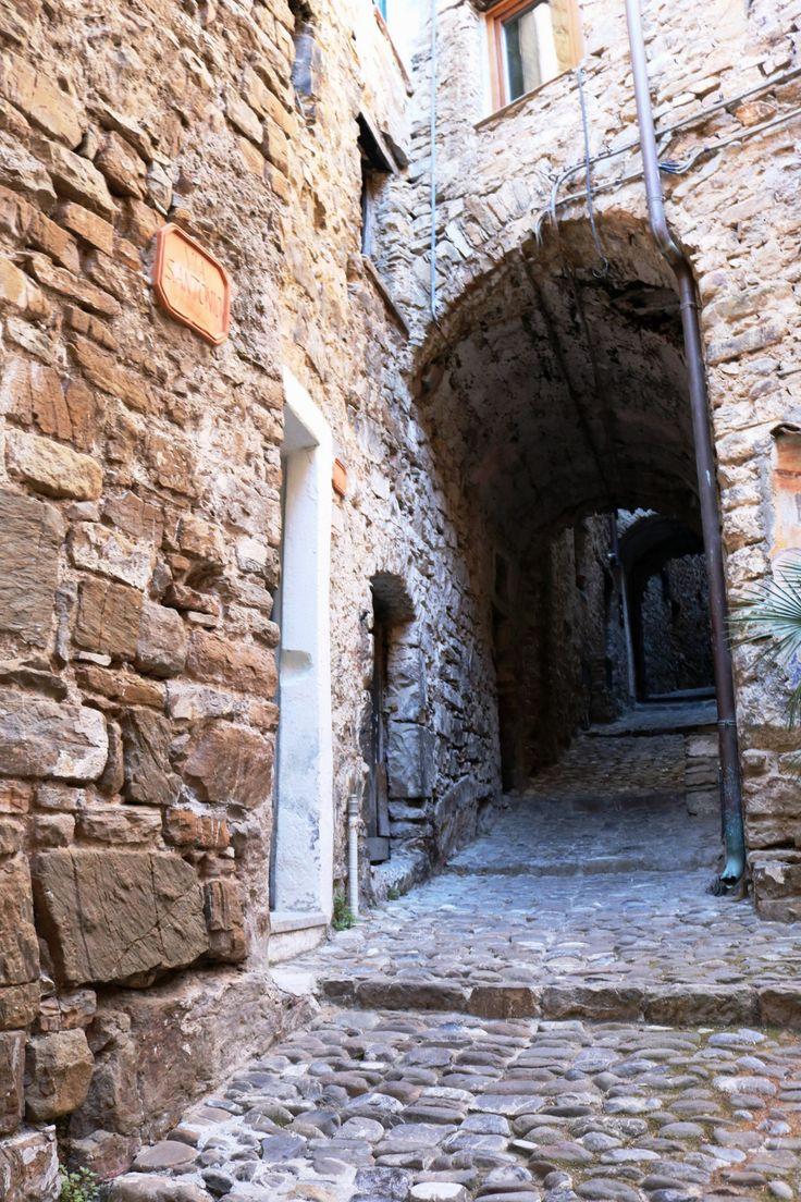 Apricale (IM) - Via Sant'Antonio