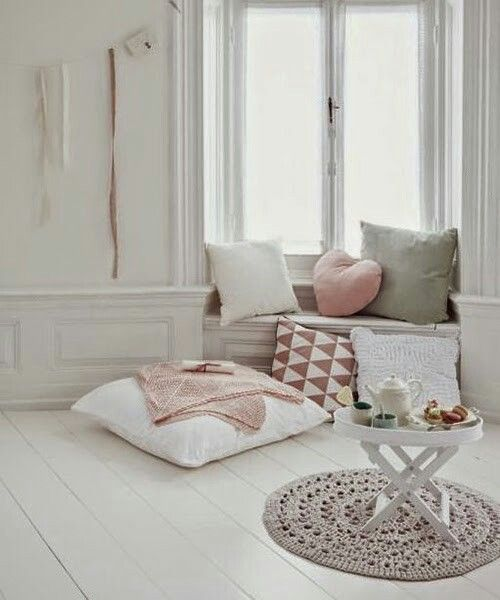 I adore these colors ... would love a room like this!
