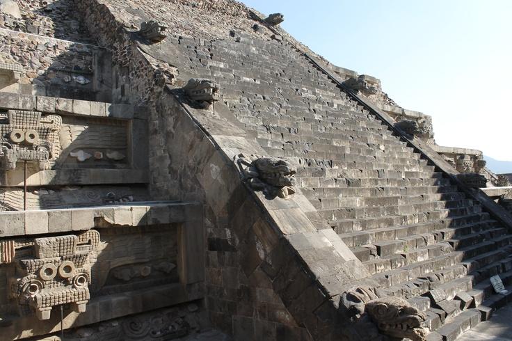 México. Templo de la Serpiente Emplumada (Quetzalcóatl) Teotihuacán.